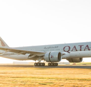 Qatar Airways - Longest flight to Auckland, New Zeland touches down for the first time