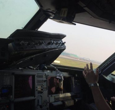 Co-Pilot and Cabin Crew Injured As Sichuan Airlines Aircraft Loses Cockpit Windshield Mid-Flight