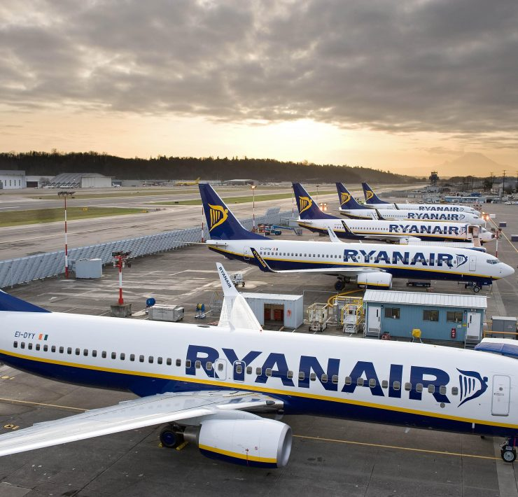 Ryanair Told it Can't Fire Pilots and Cabin Crew After it Closed Base in Eindhoven