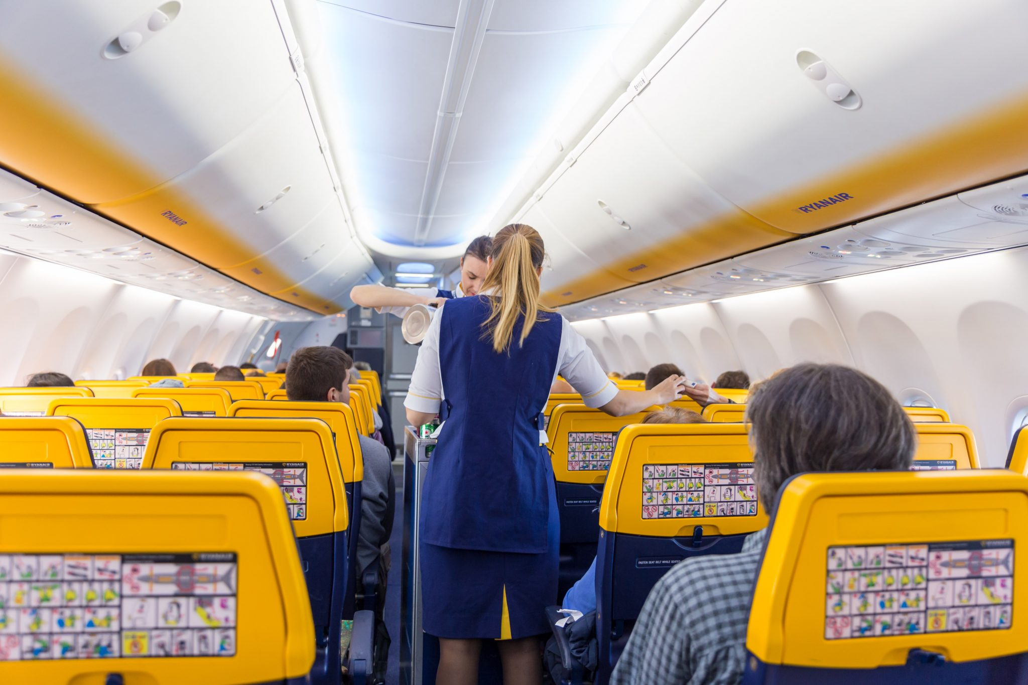 Claims: Ryanair Still Isn't Complying with Local Laws in New Cabin Crew Contracts