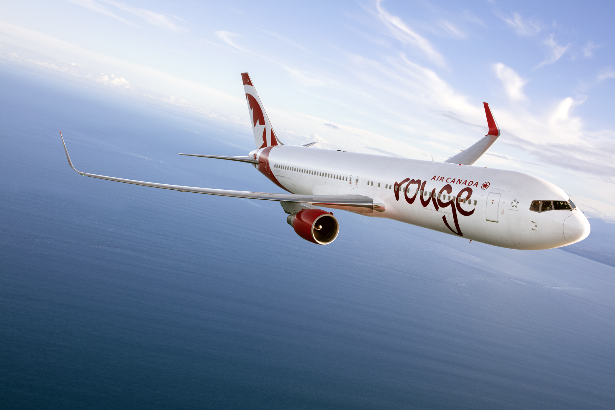 "Air Canada Rouge Pilots Forced to Put On Oxygen Masks Because of ""Rank Smelling"" Fruit"