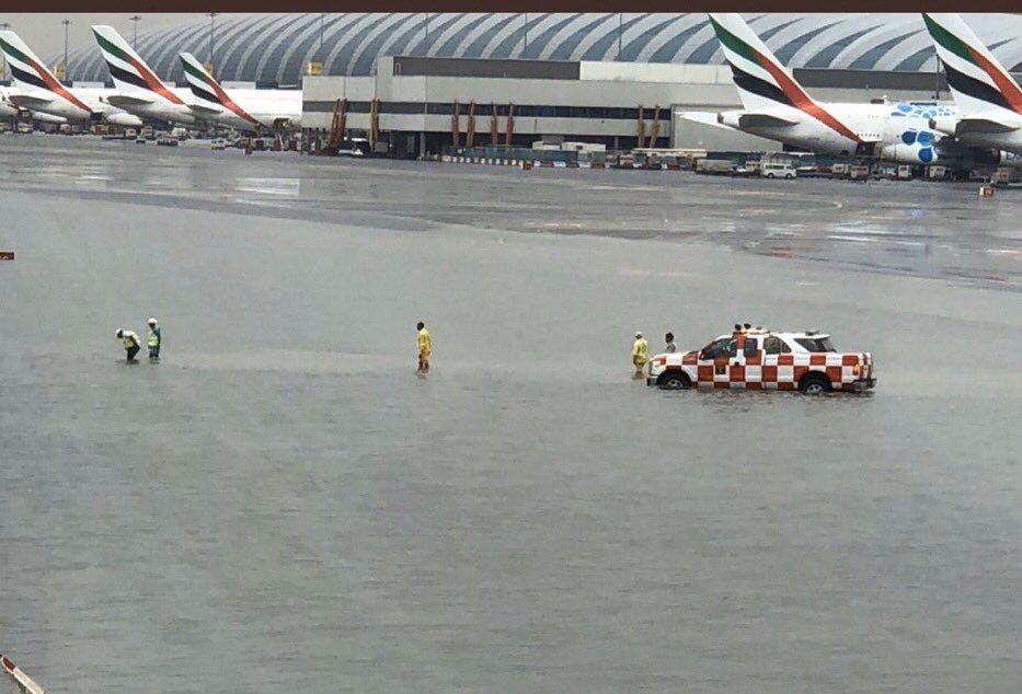Hundreds of Flights Cancelled or Delayed at Dubai International Airport as Rain Storm Floods Air Field