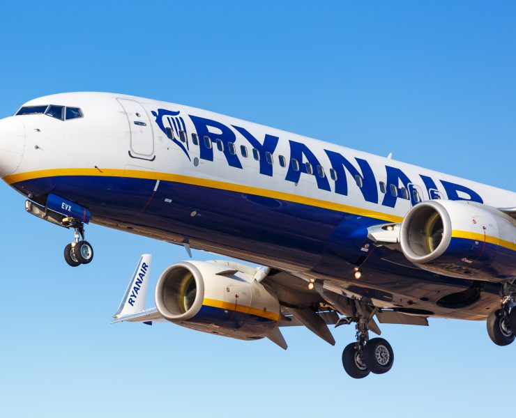 Ryanair operated Boeing 737 coming into land
