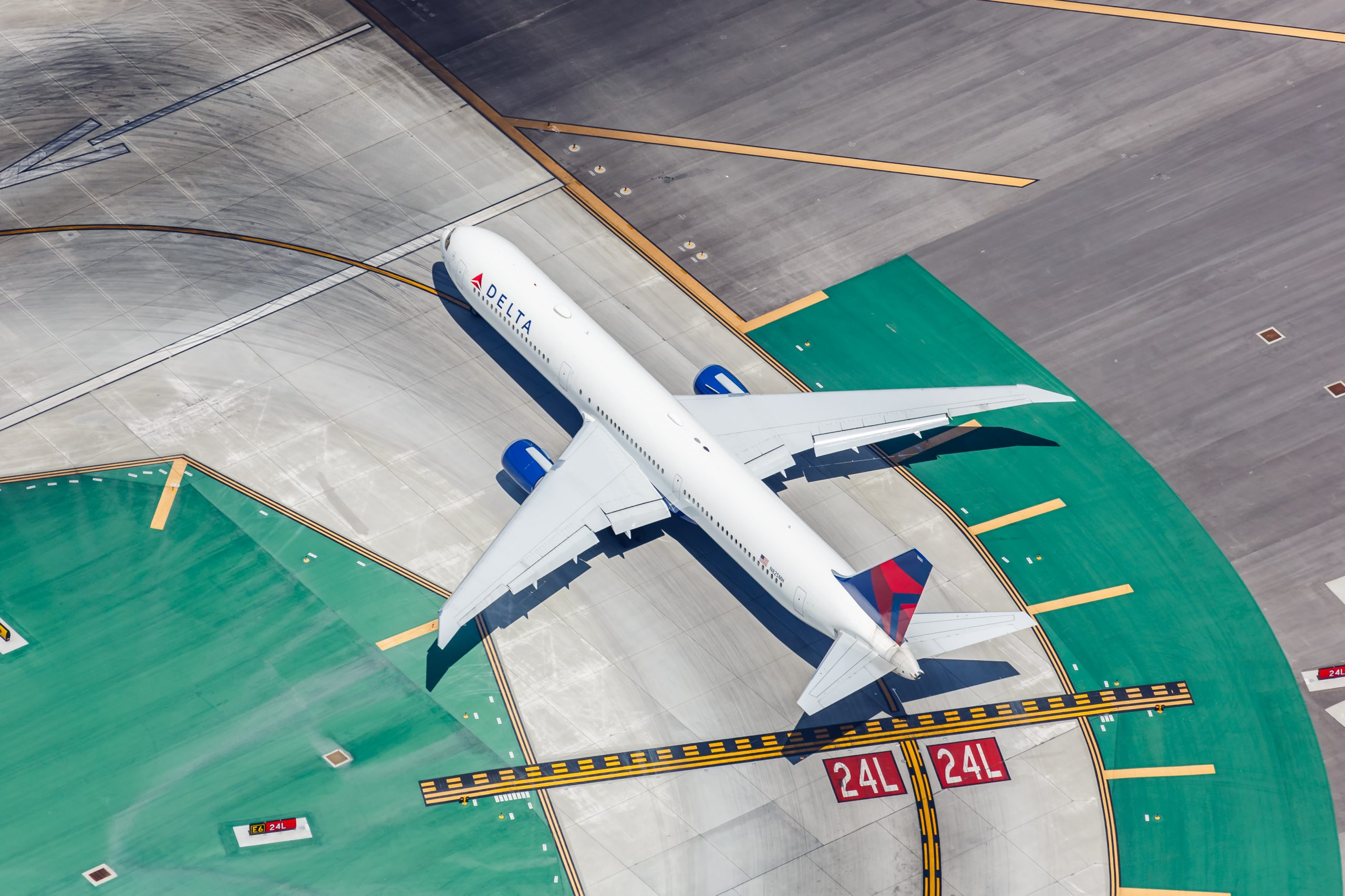 Delta Air Lines Would Like to Share its Antimasker 'No-Fly List' With Other Carriers
